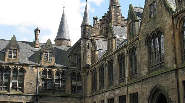 hogwarts-by-lindindin